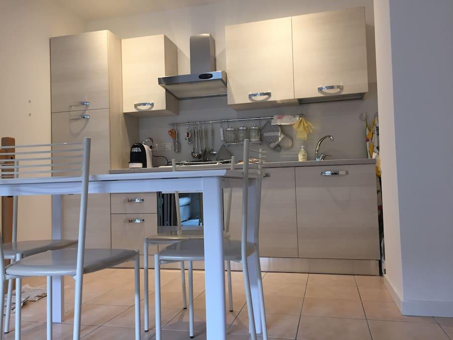 Appartamento al piano terra con giardino appartamenti in for Piano terra di 380 piedi quadrati
