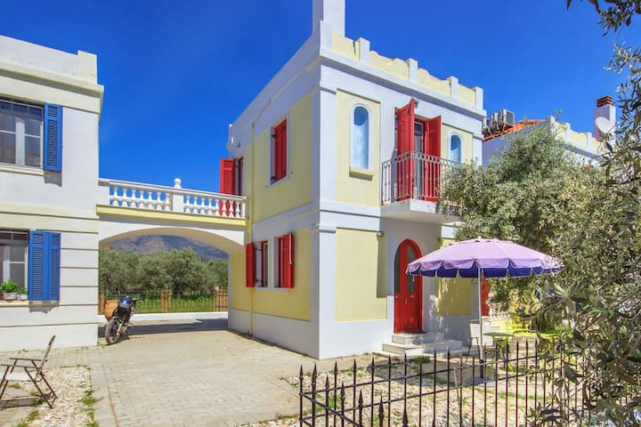 R910 Villa With Private Terrace,  Beach Walking Distance