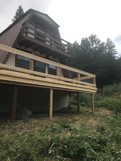 Cute 800 sq ft A Frame (near national forest)