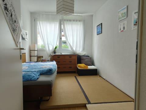 Ruhiges-Zimmer mit japanischem Ambiente in Biel