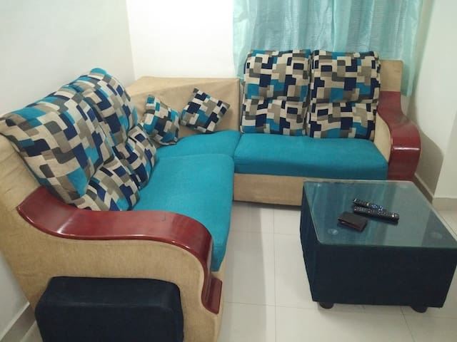 Living room with 5 seaters