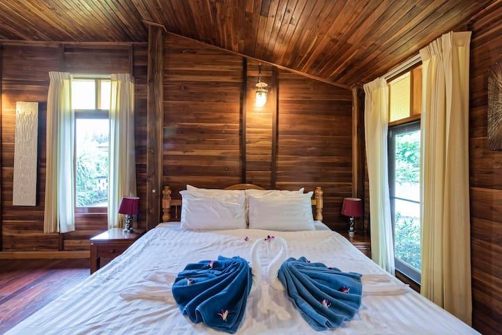 Teak Wood Private Pool Villa 150m 2 Beach Sleeps 9