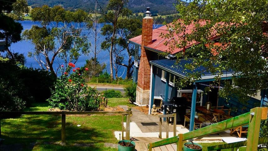 Linda Cottage Port Huon, Spa Cottage, River Views