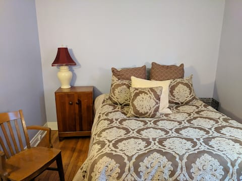 Cozy and Convenient-Quick to City & Chicago Sights