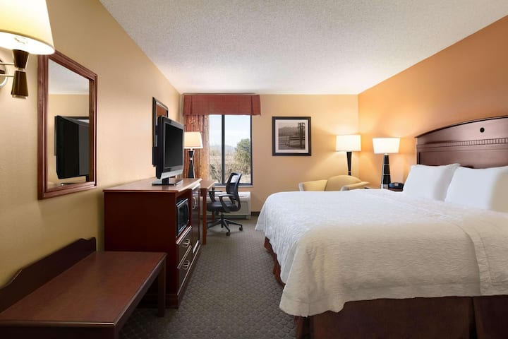 Fascinating Double Bed Non Smoking At Longmont Area