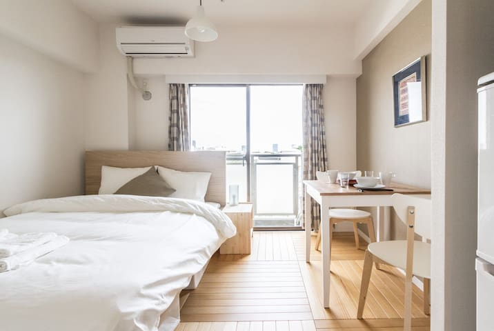 Light Breezy Studio Apartment, 2 Stops to Shinjuku - Shibuya-ku