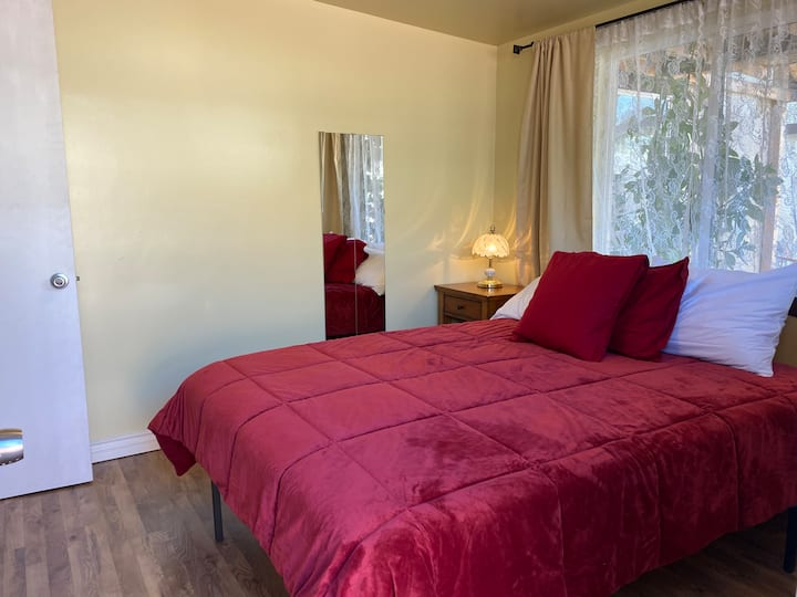 Private Apartment close to DTLA and Gold Line
