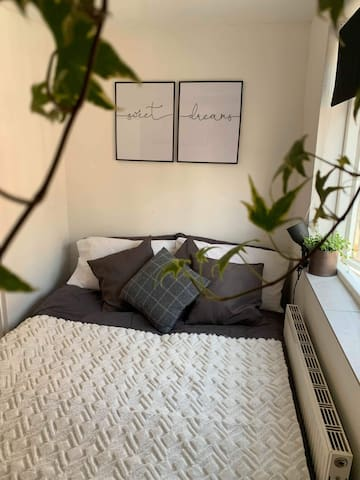 City Centre Room in a newly refurbished flat