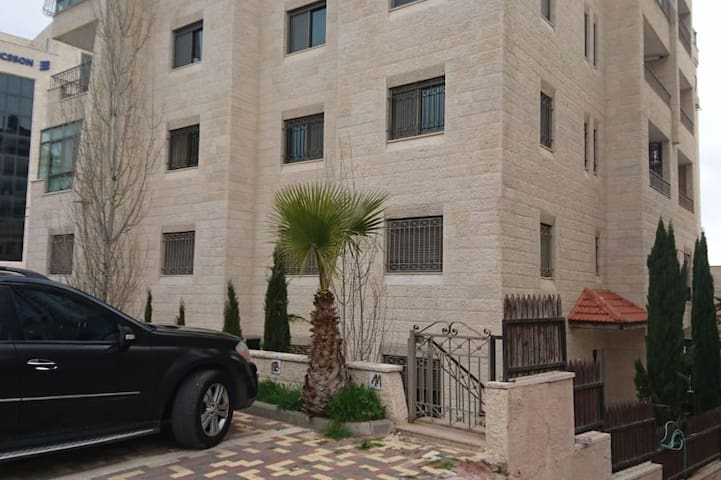 Modern Ramallah luxury duplex apt private entrance
