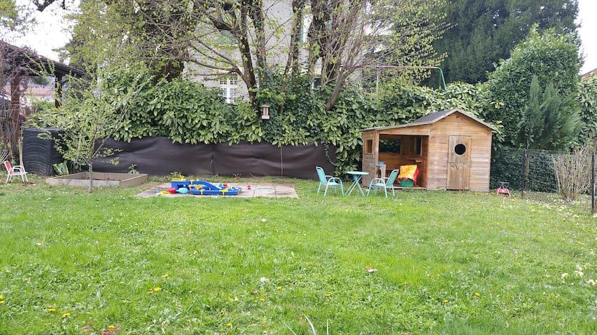 Grande villa proche Grenoble, idéale famille - Domène - 獨棟