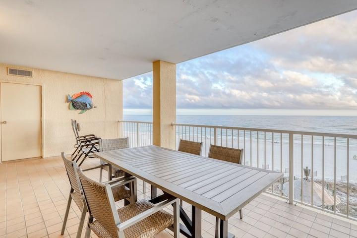 Gulf view condo w/ shared pools, a hot tub, fitness room, sauna, & beach access
