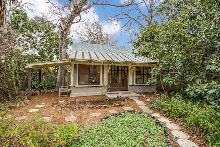 ☀️Seculded Historic Cottage❤️of Downtown, Riverwalk☀️Walk Score 80
