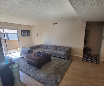 2 bedroom gem in Thousand Oaks