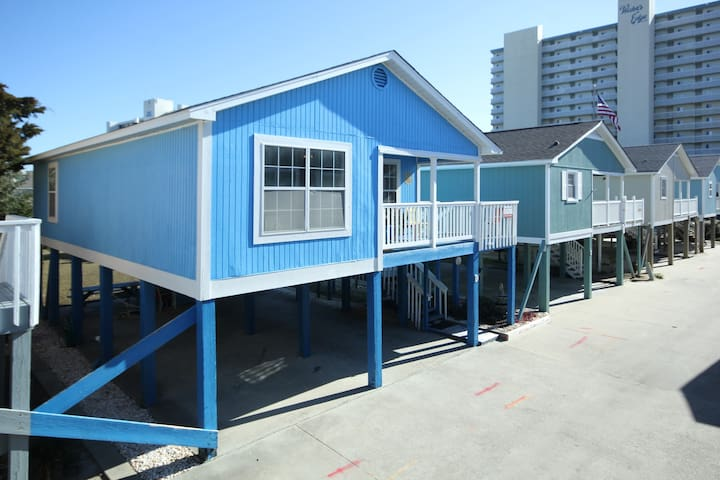 """""""Blue Bell"""" Cottage 2 BR *2nd Row Garden City, SC"""