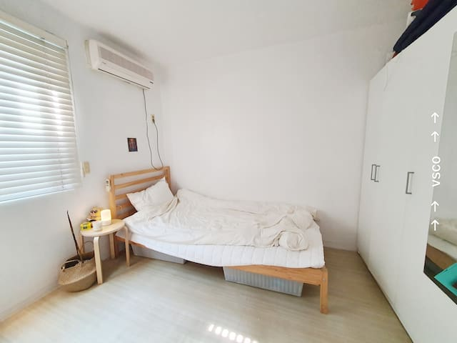 Cozy small studio around Sinchon area