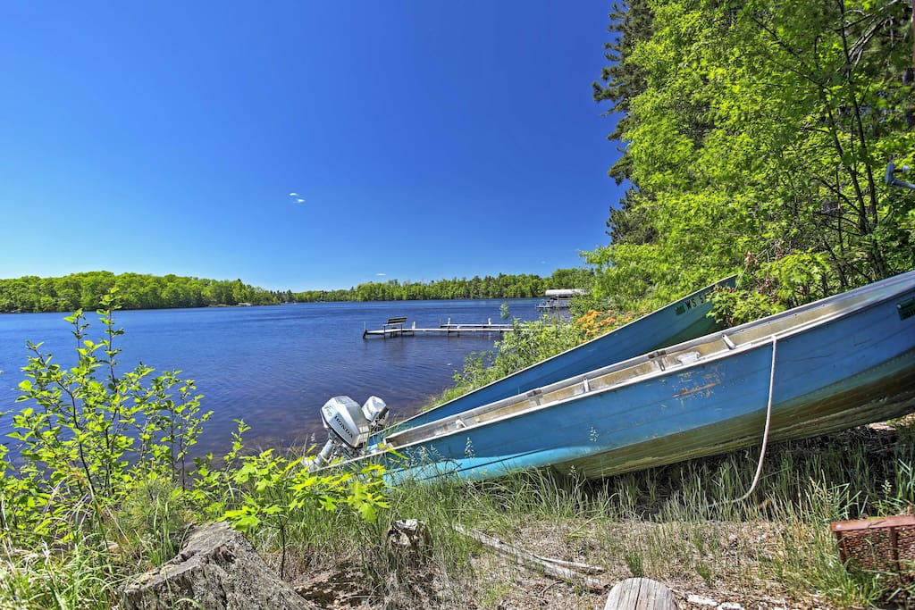 Rent a motor boat and spend the day on the beautiful lake.