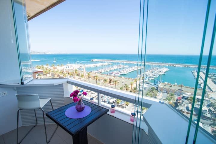Lujoso studio en Hotel Las Palmeras, vistas al mar