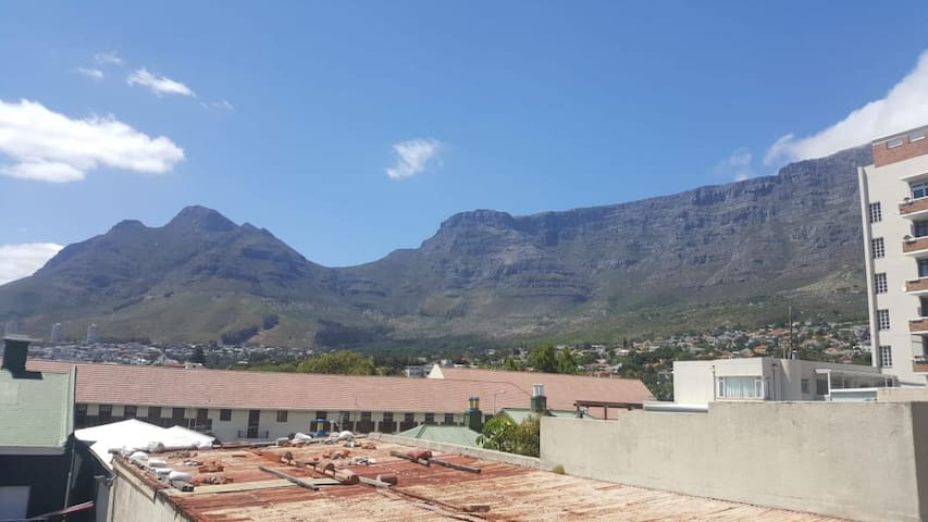 Camp/Kloof Street One bedroom with awesome view
