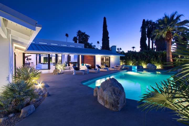Lux Estate- 6BD/9BA, Tennis Court, Pool, Spa