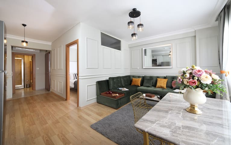 One-Bedroom Apartment by Beddington Hotels