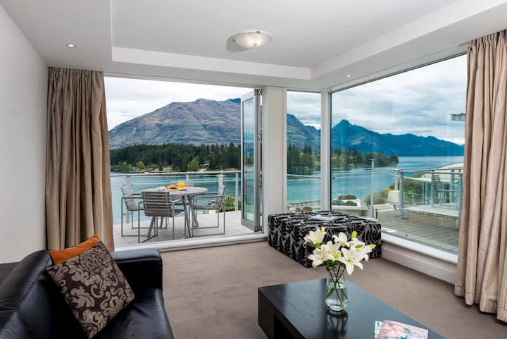 Entire Two Bedroom Apartment in Lakeside Resort