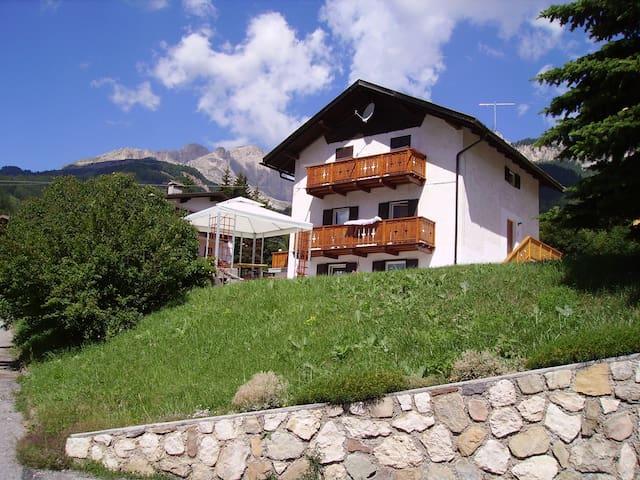 Soleggiato appartamento nel cuore delle Dolomiti - Vigo di Fassa - Apartament