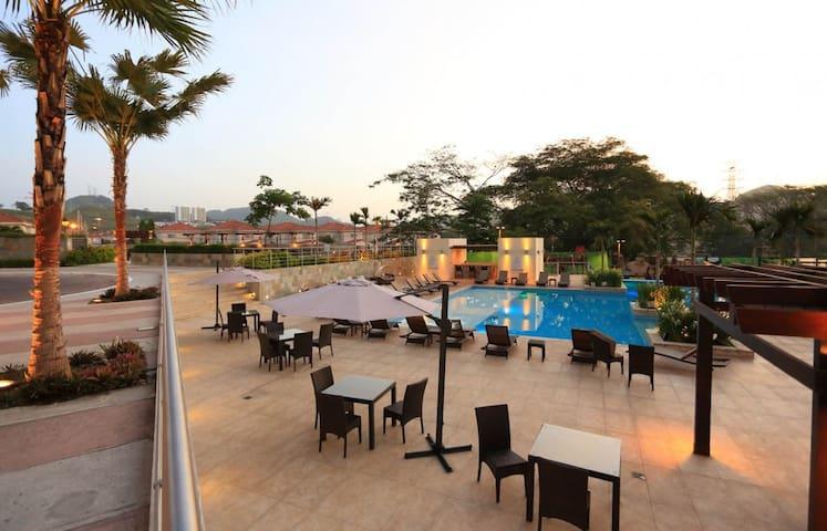 Panamá con habitación privada.