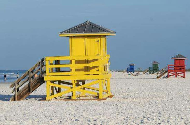 1 Bedroom walk to Siesta Key Beach! - Siesta Key - Huis