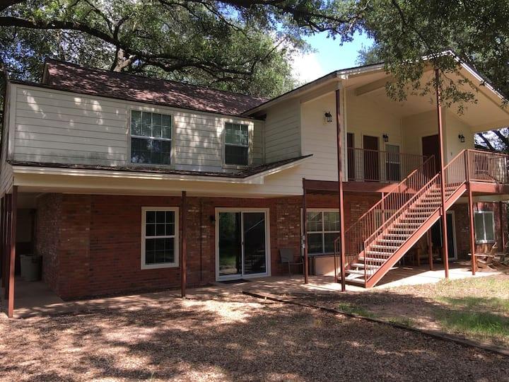 Seven Oaks - Entire Guest House