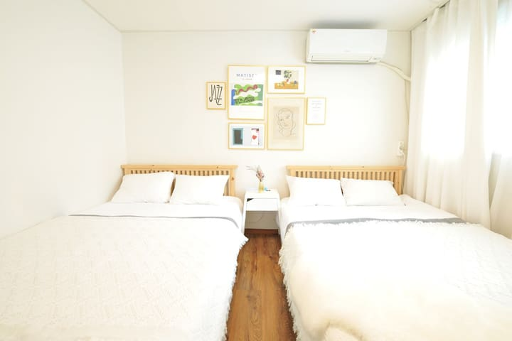 Hongik.stn.3min,3Room free wi-fi! cozy and clean!