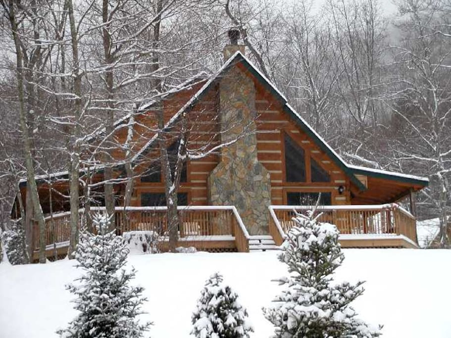 Legends cabin in valle crucis cabins for rent in sugar for Boone ski cabin rentals