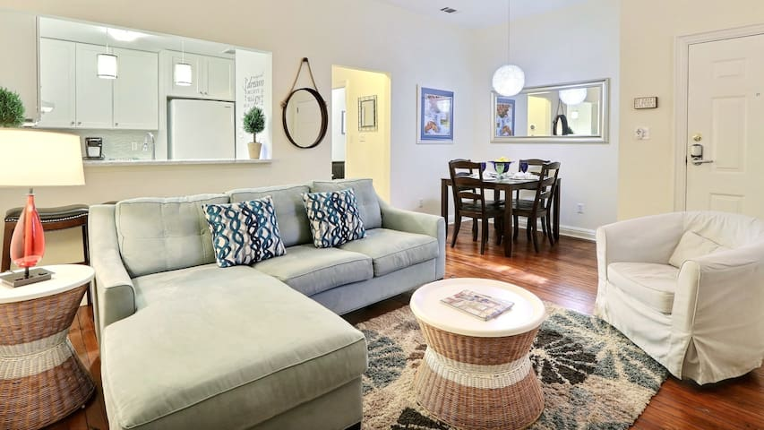 Sanctuary Cottage Near Forsyth Park + Free Parking