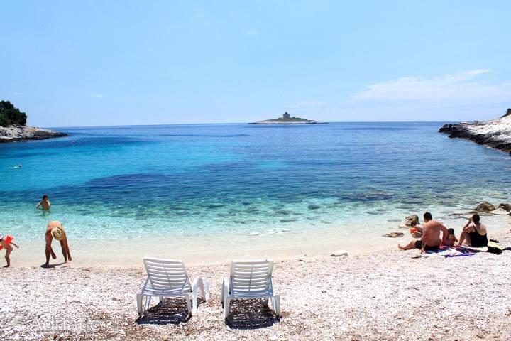 Peaceful oasis near the beach