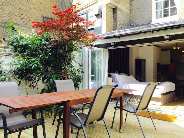Large Garden Apartment  SW1V Victoria