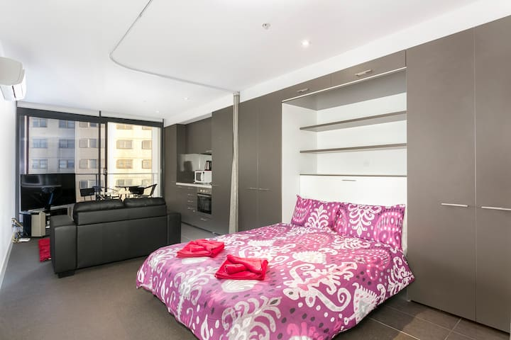 Amazing Accommodations: South Yarra8 - South Yarra - Apartment