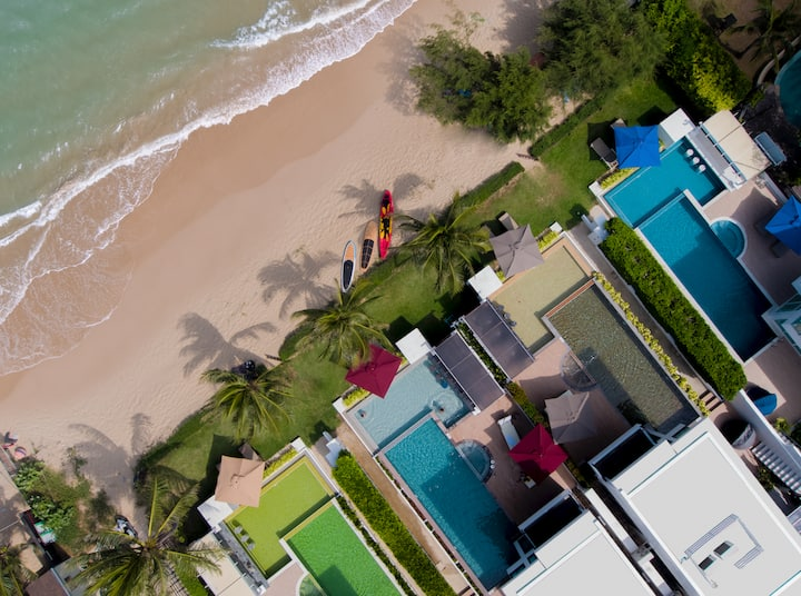 Beautiful Beachfront Pool Villa Combo - 8 bedrooms