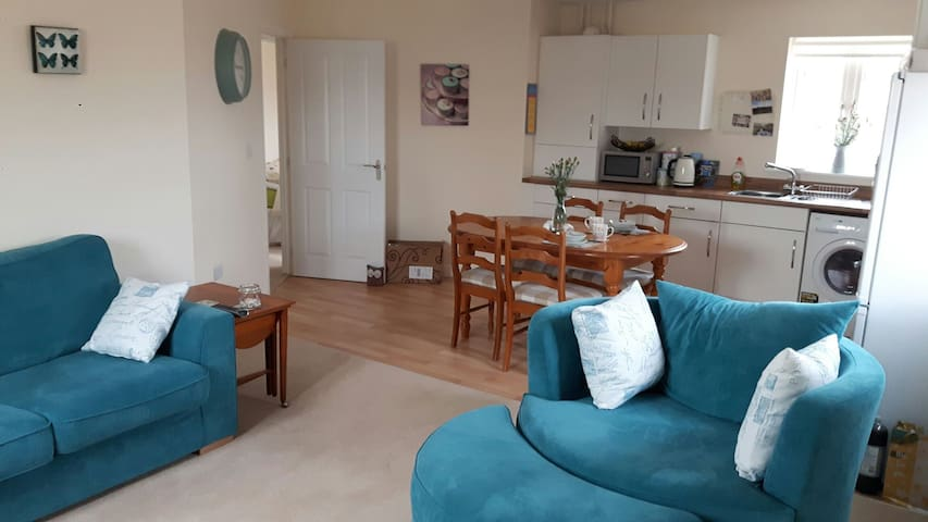 Cosy double bedroom with parking - Bicester  - Wohnung