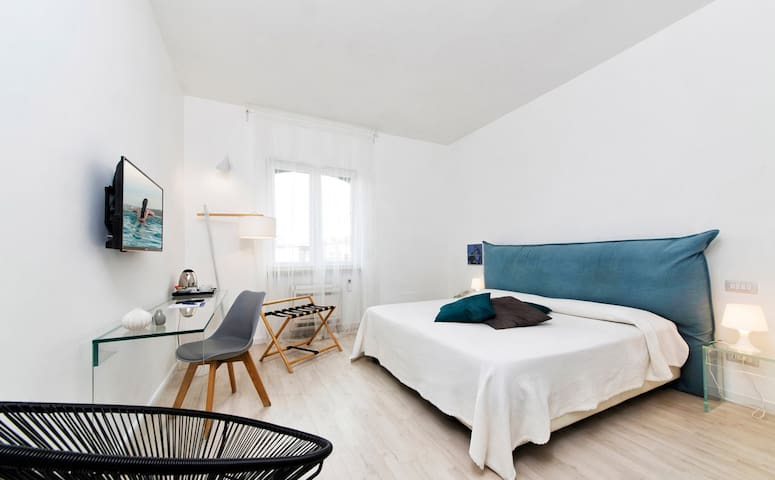 Central Savona B&B - Handcrafted Experience