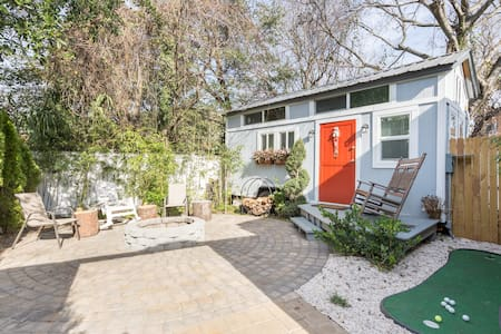Tiny House in downtown Charleston - walk to it all