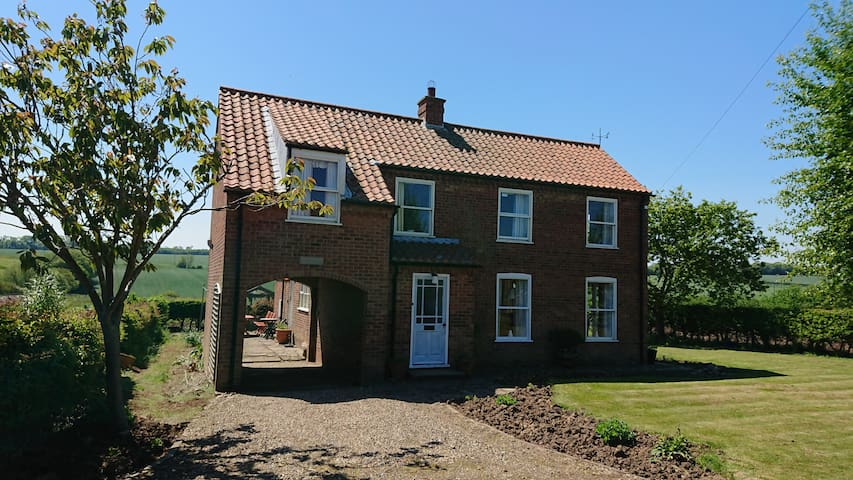 Yorkshire Coast, Spacious detached 4 bedroom house