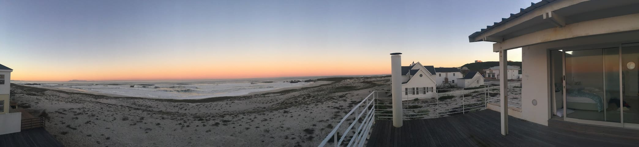 A foot step from the beach - Yzerfontein