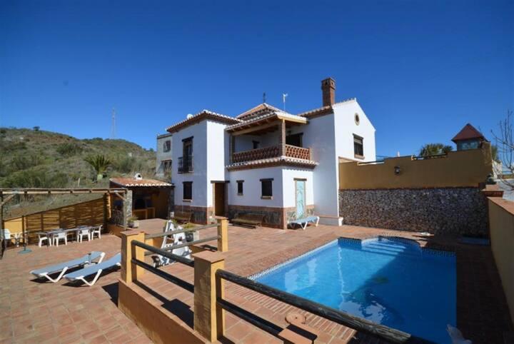 Villa Benizan: Private Pool, Sea Views, A/C, WiFi