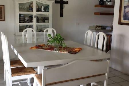 Casa en Colinas de Santa Fe (Morelos) - Alpuyeca - Casa de camp