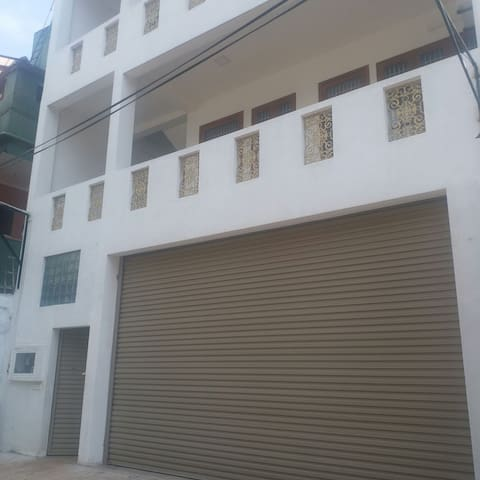 HOLIDAY APARTMENT IN KOTAHENA - COLOMBO 13
