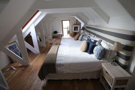 Charming Loft on Small Wine Farm - Franschhoek