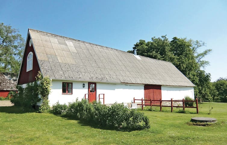 Former farm house with 2 bedrooms on 80 m² in Dalby