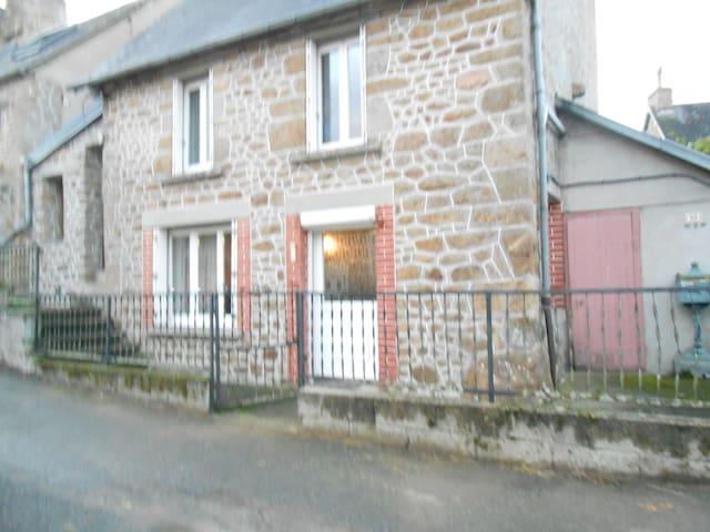 la maison des nains - Sainte-Honorine-la-Chardonne