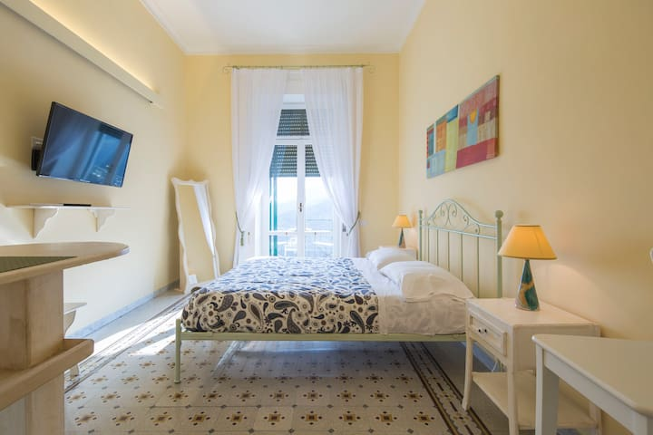 Double room with stunning sea views! - Raito