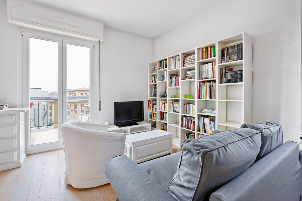 The living room: spacious with a double sofa-bed