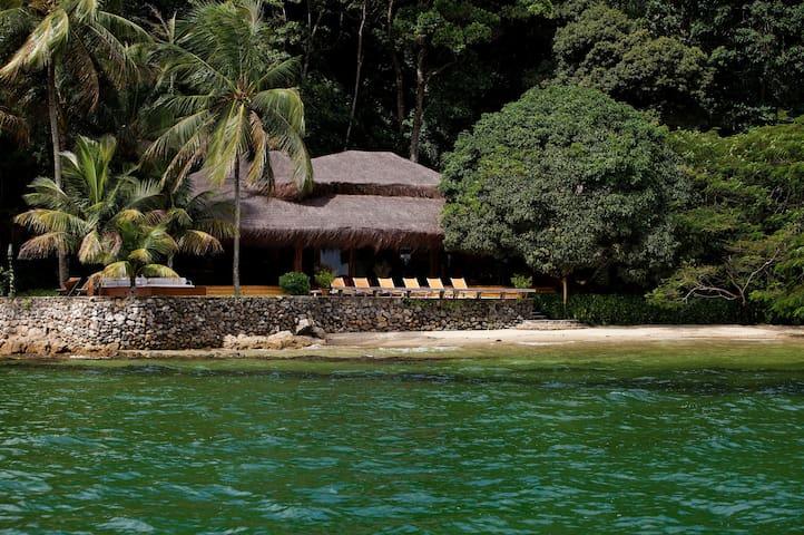 Villa com cinco suítes em ilha privativa - Princess Island